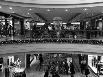 Altmarktgalerie Dresden zur Weihnachtszeit, Huawei P9 monochrom