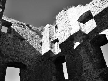 Palas der Burgruine Arnstein in Harkerode