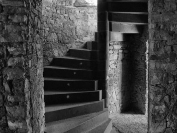Treppenaufgang in der Burgruine Arnstein in Harkerode