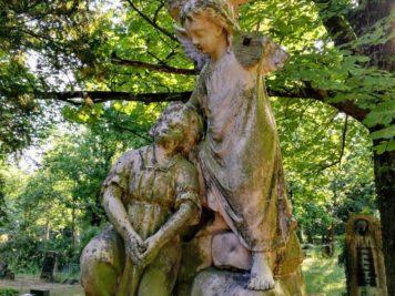 Grab der Geschwisterkinder Ella und Katharina Albrecht - Dessau Friedhof 3