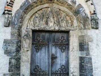 Eingangstür zur Doppelkapelle Landsberg