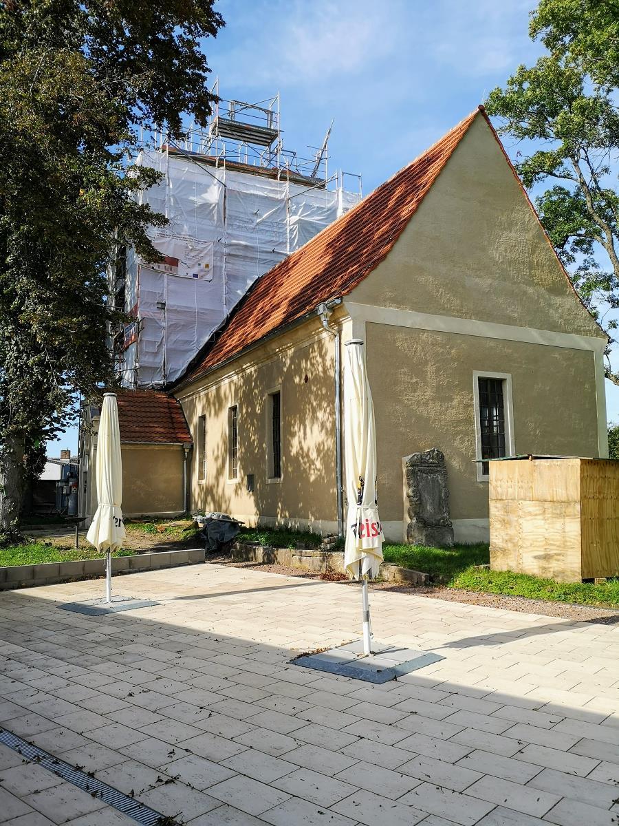 Dorfkirche Mösthinsdorf - Eingerüsteter Kirchturm 2021