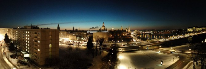 Dresden - Abendliches Panorama Am Terrassenufer