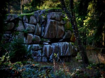 Felsengruppe der Großen Teufelsmühle bei Friedrichsbrunn im Harz