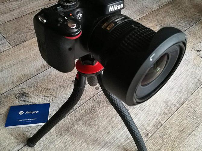 Fotopro-Stativ mit Nikon DSLR