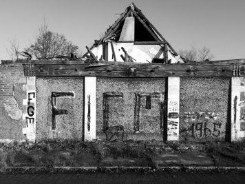 Köthen, Ruine der Kaserne am Fliegerhorst