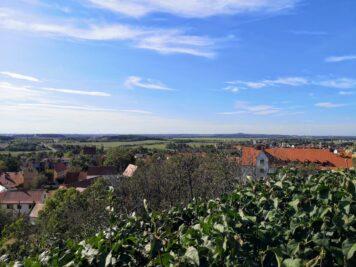 Landsberg - Blick vom Kapellenberg zum Petersberg