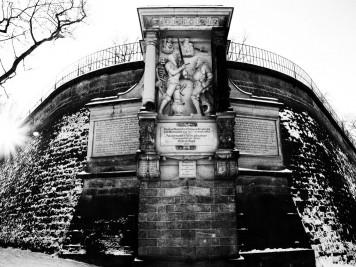 Moritzmonument an der Nordseite der Brühlschen Terrassen in Dresden