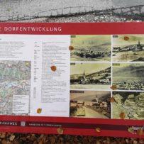 Piesendorf: Schautafel zur Dorfentwicklung