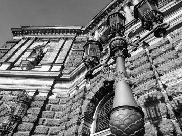 Fassade der Semperoper Dresden (Huawei P9 schwarz-weiß, ISO 50)