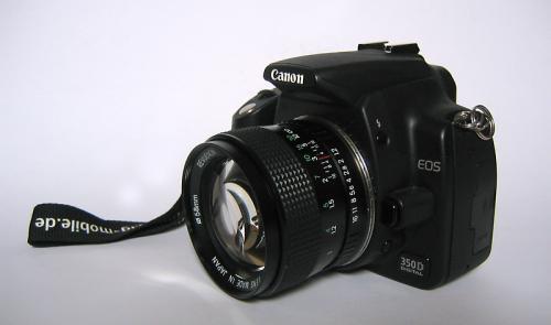 Canon EOS 350D mit Pentax K (PK) Revuenon Objektiv